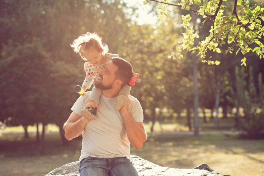 Concediul paternal in Romania: conditii pentru acordarea acestuia si beneficiile incluse