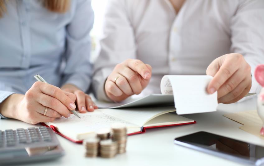 Poprirea pe conturi: prevederi legale, schimbari de legislatie si moduri de a evita executarea silita