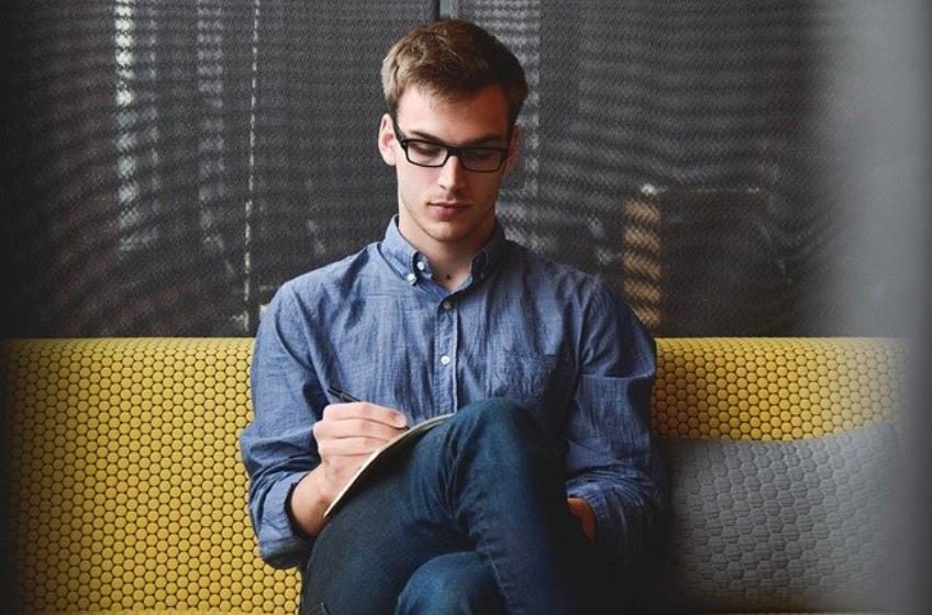 Ce trebuie sa faca angajatorii pentru a deconta 50% din salariile persoanelor in varsta de peste 50 de ani sau cu varsta cuprinsa intre 16 si 29 de ani angajate in perioada 1 ianuarie - 1 septembrie 2021