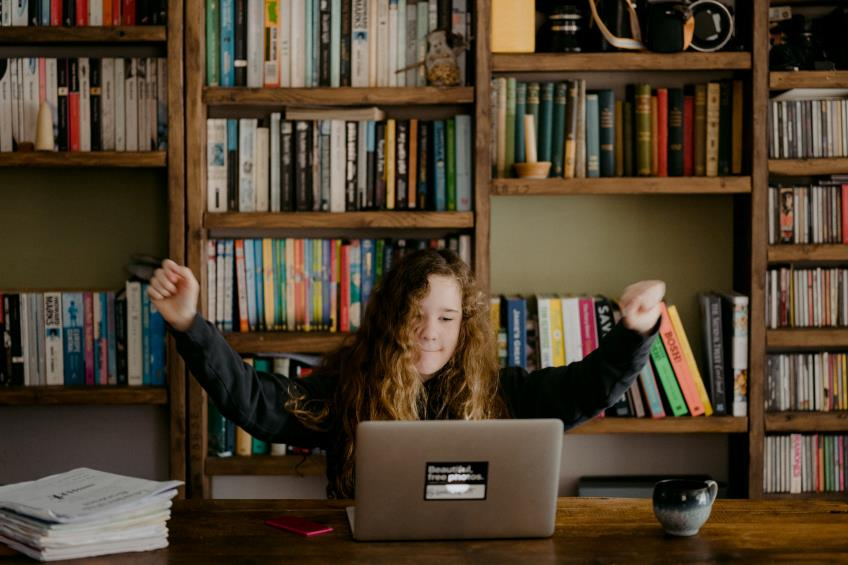 Tichete sociale pe suport electronic pentru sprijin educational: ce reprezinta si cine poate beneficia