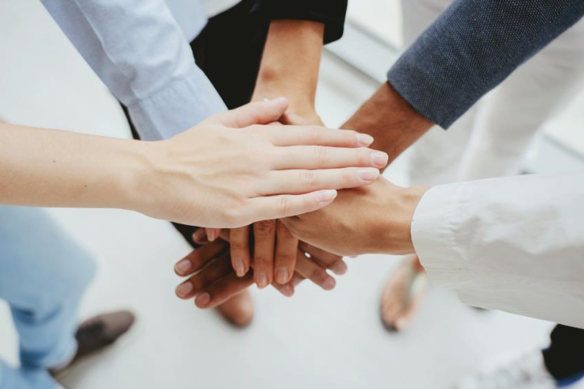 Totul despre Contractul colectiv de munca: Negociere, clauze, valabilitatea, importanta si limitele sale