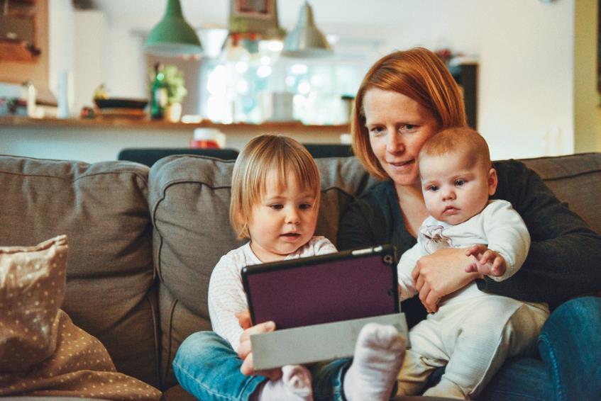 Concediul pentru supravegherea copiilor: ce este si cine poate beneficia