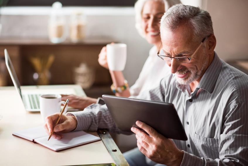 Cumulul pensiei cu salariul si alte venituri - aspecte legale, cine beneficiaza si in ce conditii este permis