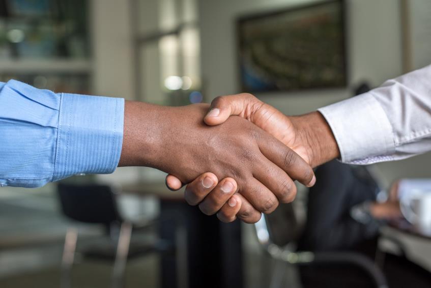 Cum influenteaza criza respectarea contractelor comerciale si relatia cu partenerii