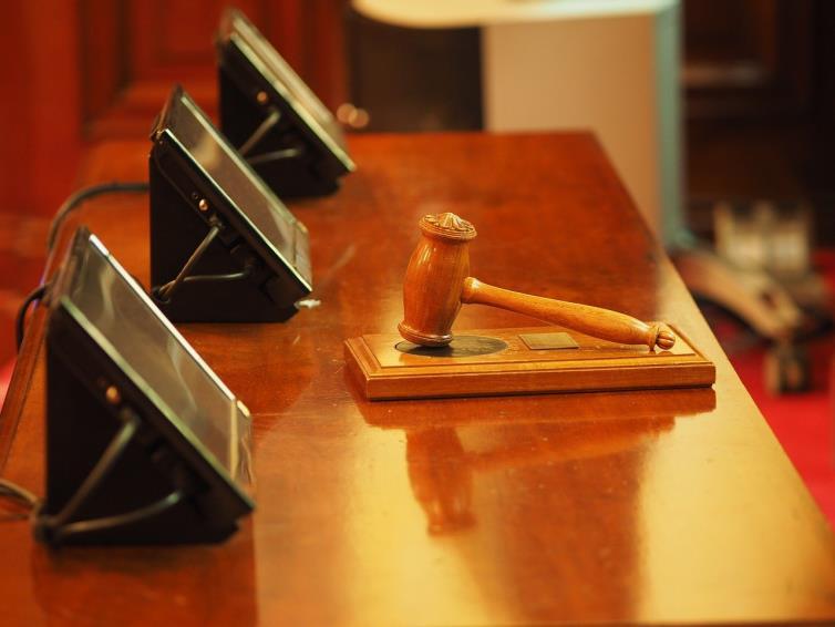 Curtea Constitutionala a decis neconstitutionalitatea unor prevederi referitoare la concediile si indemnizatiile de asigurari sociale de sanatate