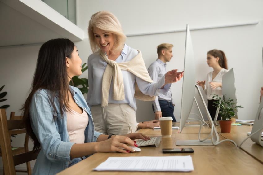 Despre internship si ucenicie - avantaje pentru angajator, beneficii pentru tineri si diferentele dintre aceste doua programe