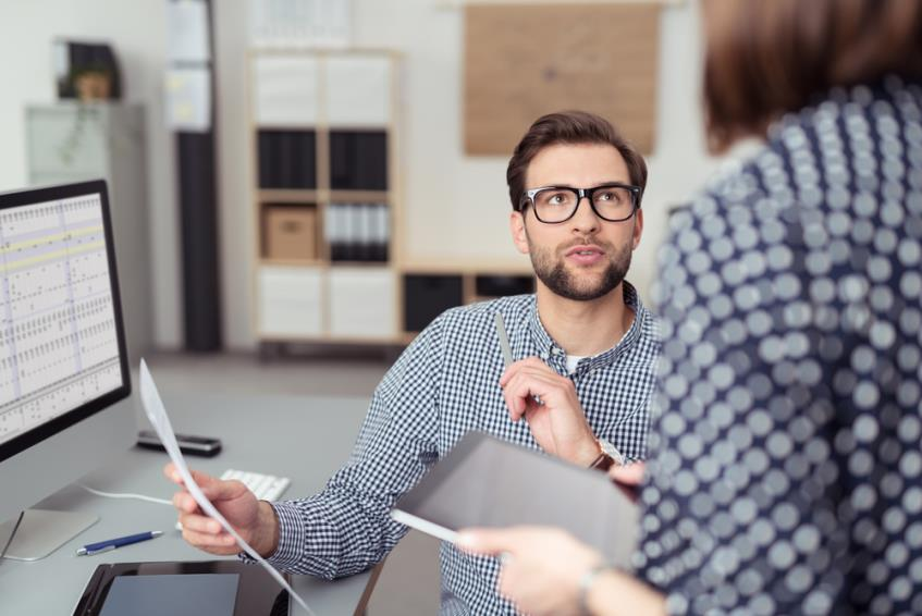 Sanctiunile la locul de munca: ce presupun, cum se aplica si ce drepturi are angajatul