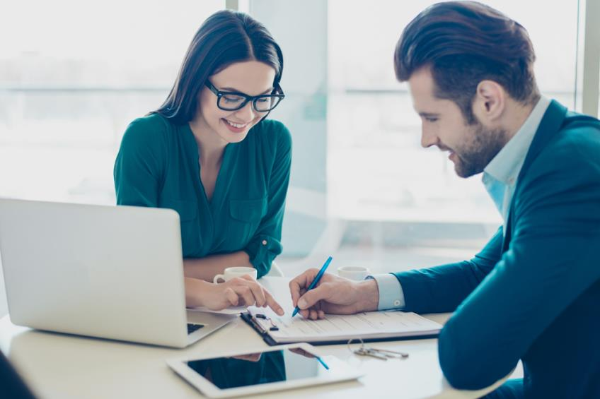 Angajatorii au noi obligatii privind egalitatea de sanse intre femei si barbati