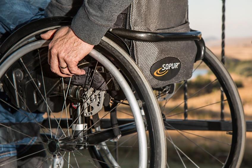 Noi drepturi acordate persoanelor cu handicap: cadru legislativ si conditii